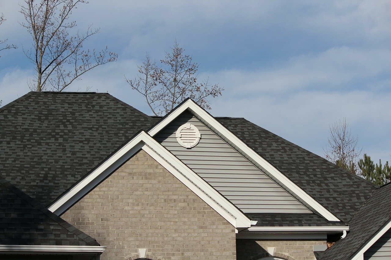 How Long Do Tile, Shingle, and Metal Roofs Last?